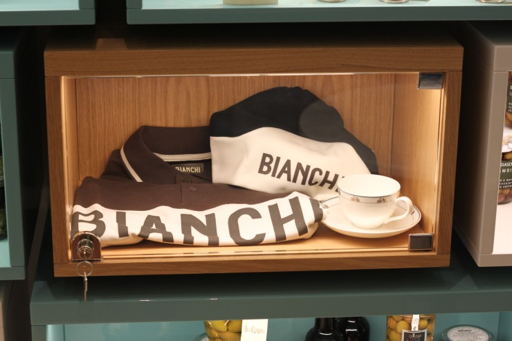bianchi cafe and cycles 33
