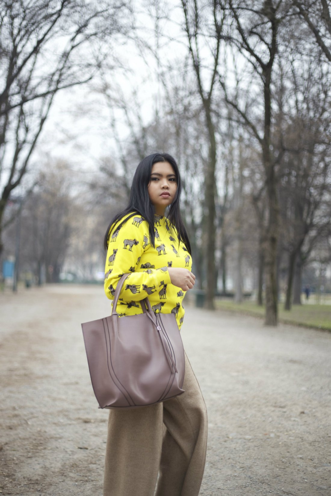 zara pants au jour le jour sweater gianni chiarinni bag